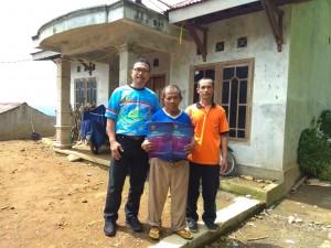 Penyerahan kk dan ktp korban kebakaran Desa Krinjing Kec. Watumalang